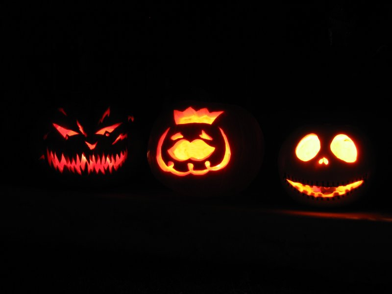 Jack-o-lanterns without flash